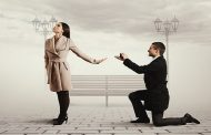 تاخیر در ازدواج چه آسیب هایی دارد؟