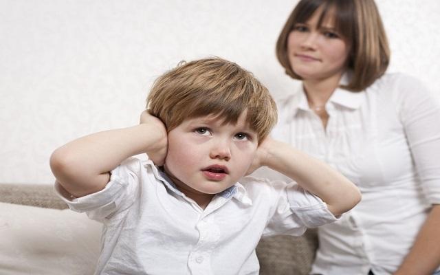 کودک حرف نشنو