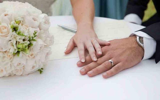چطور باید اختلاف بر سر نوع پوشش همسر در ازدواج را حل کرد؟
