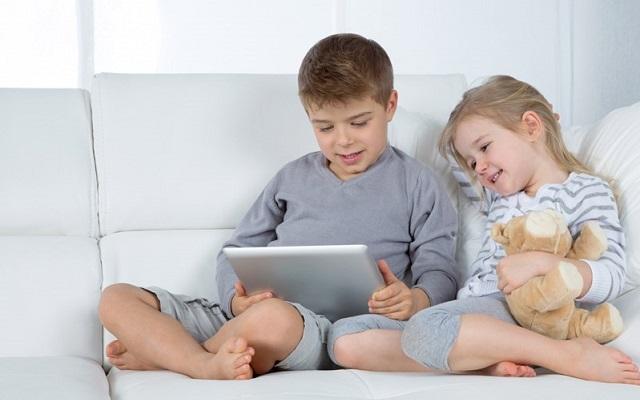 اعتیاد کودکان به موبایل و تبلت